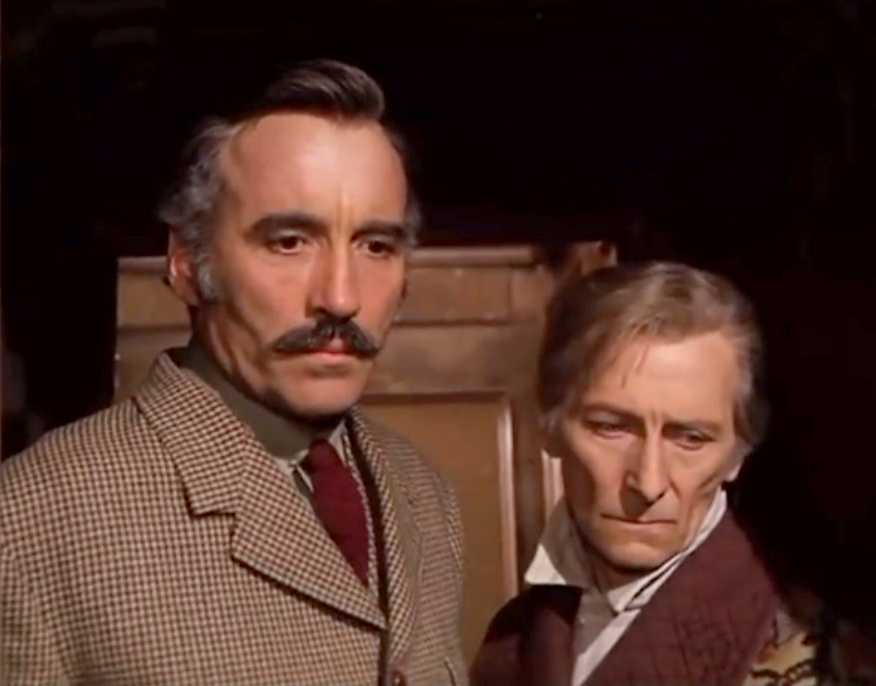 Christopher Lee e Peter Cushing in una scena del film