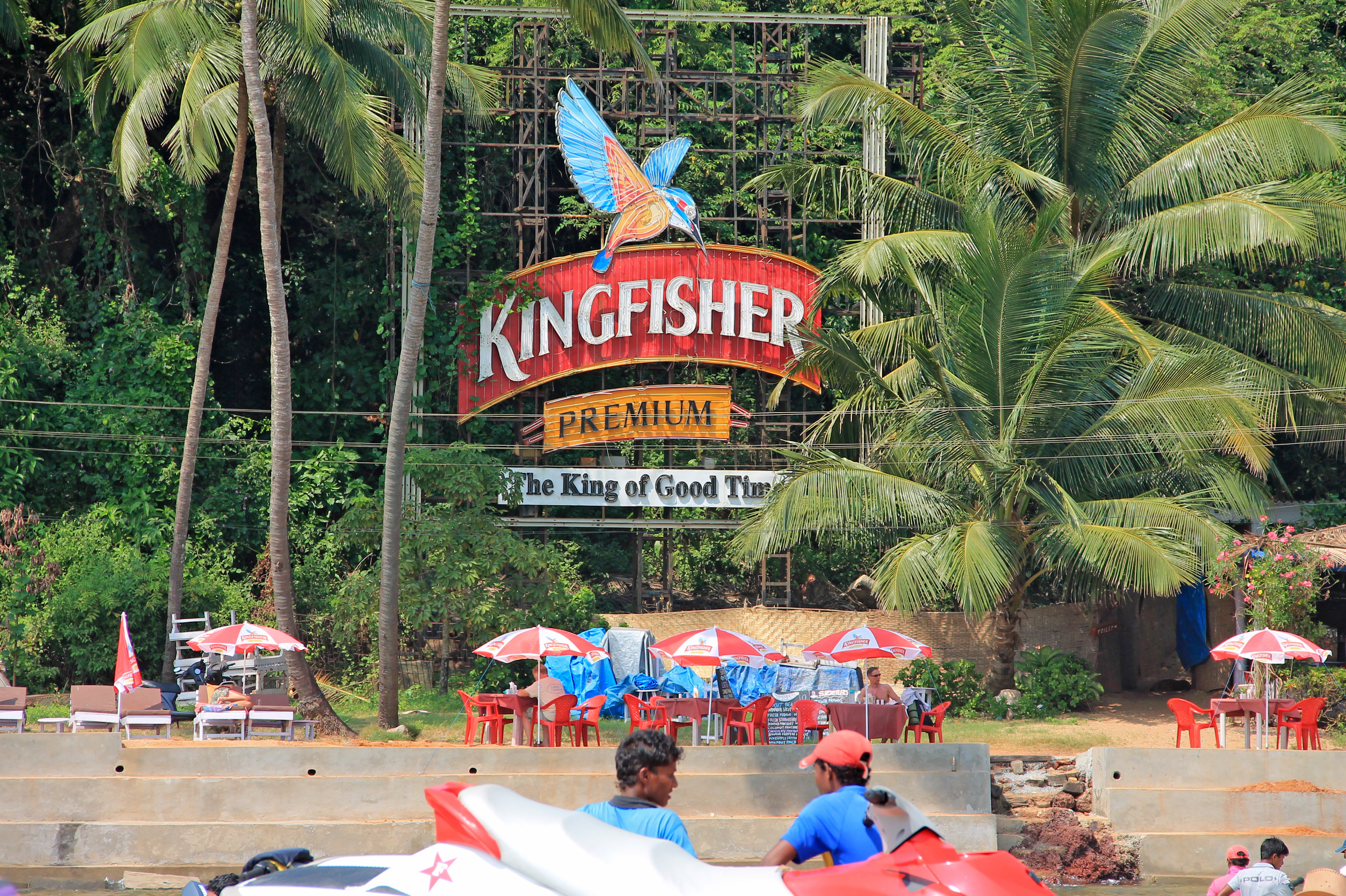 indias kingfisher billionaires homes raided for not