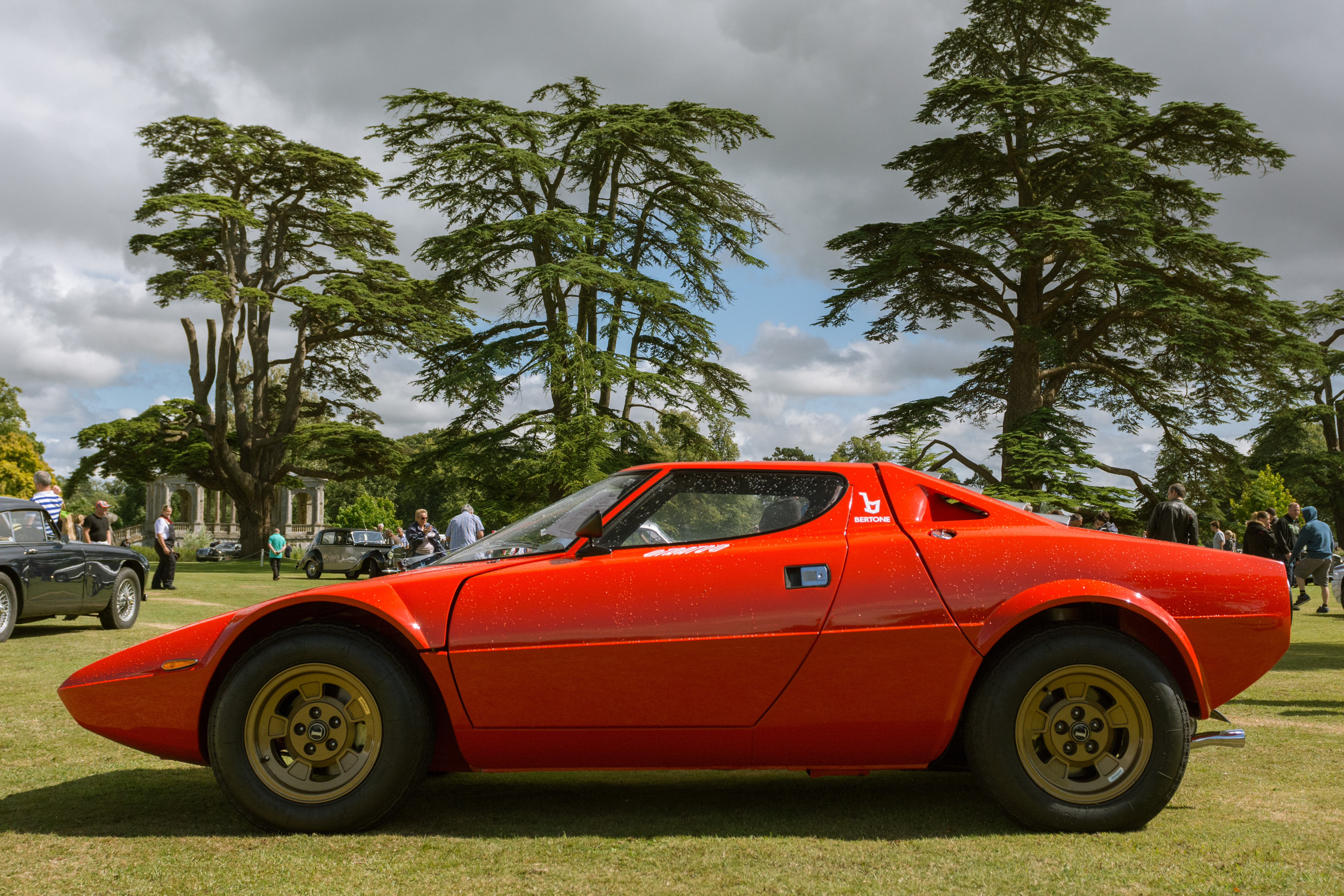 the lancia stratos stradale by bertone the road version of one of the last great rwd rally cars. Black Bedroom Furniture Sets. Home Design Ideas