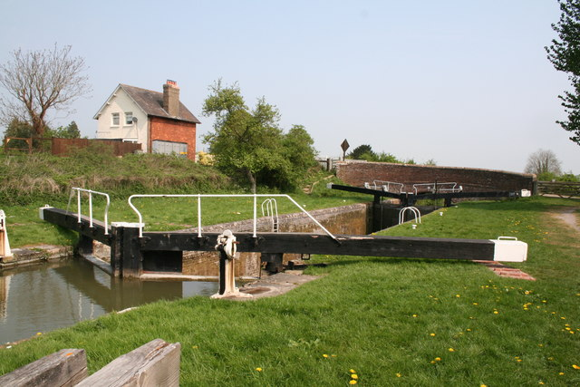Lock No 61 and Crofton Crossing Bridge, Kennet and Avon Canal - geograph.org.uk - 418702