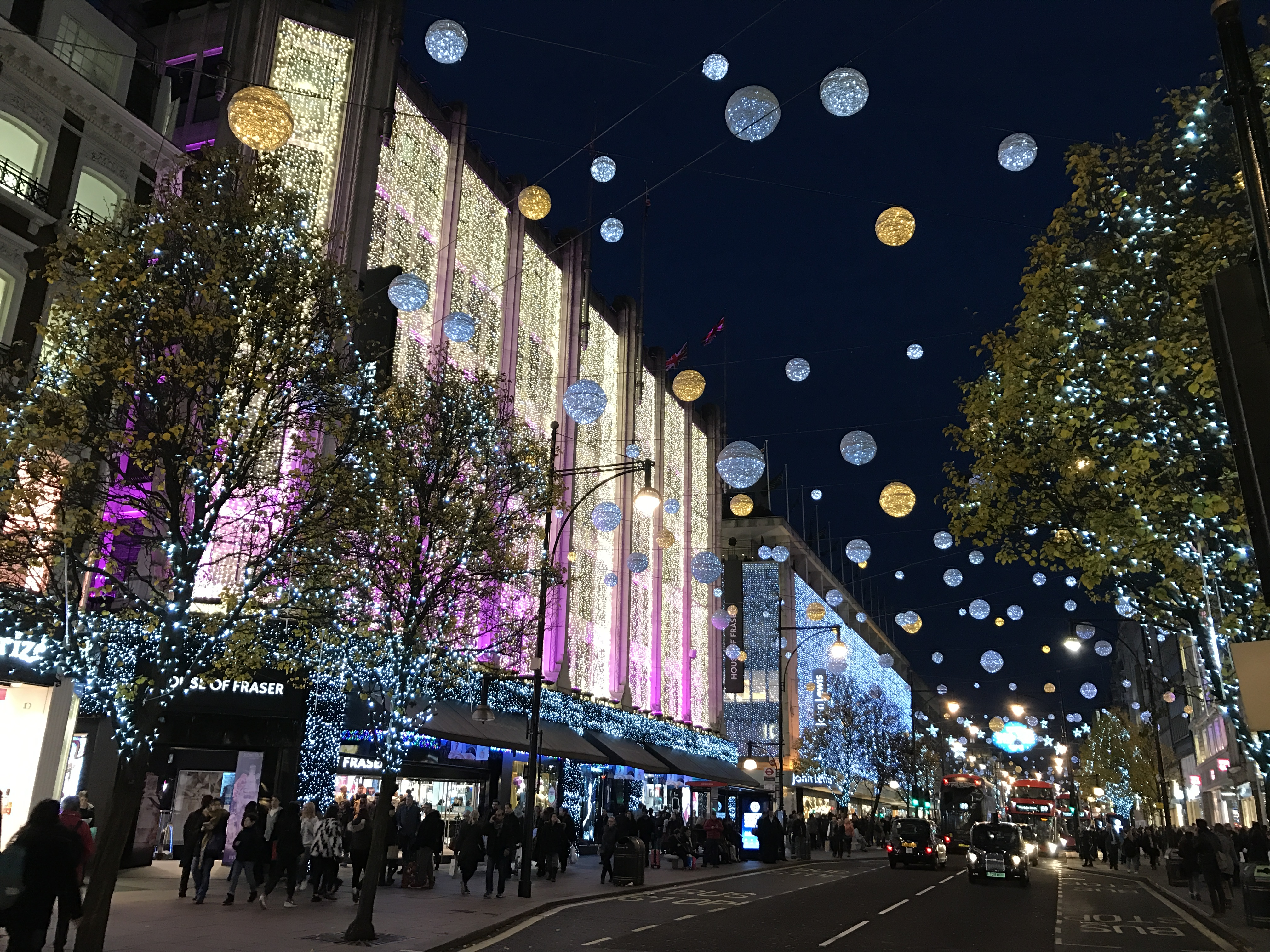 Christmas In London.List Of Oxford Street Christmas Lights Celebrities Wikipedia