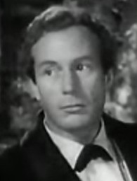 Lowell_Gilmore_in_The_Picture_of_Dorian_Gray_trailer_cropped.jpg