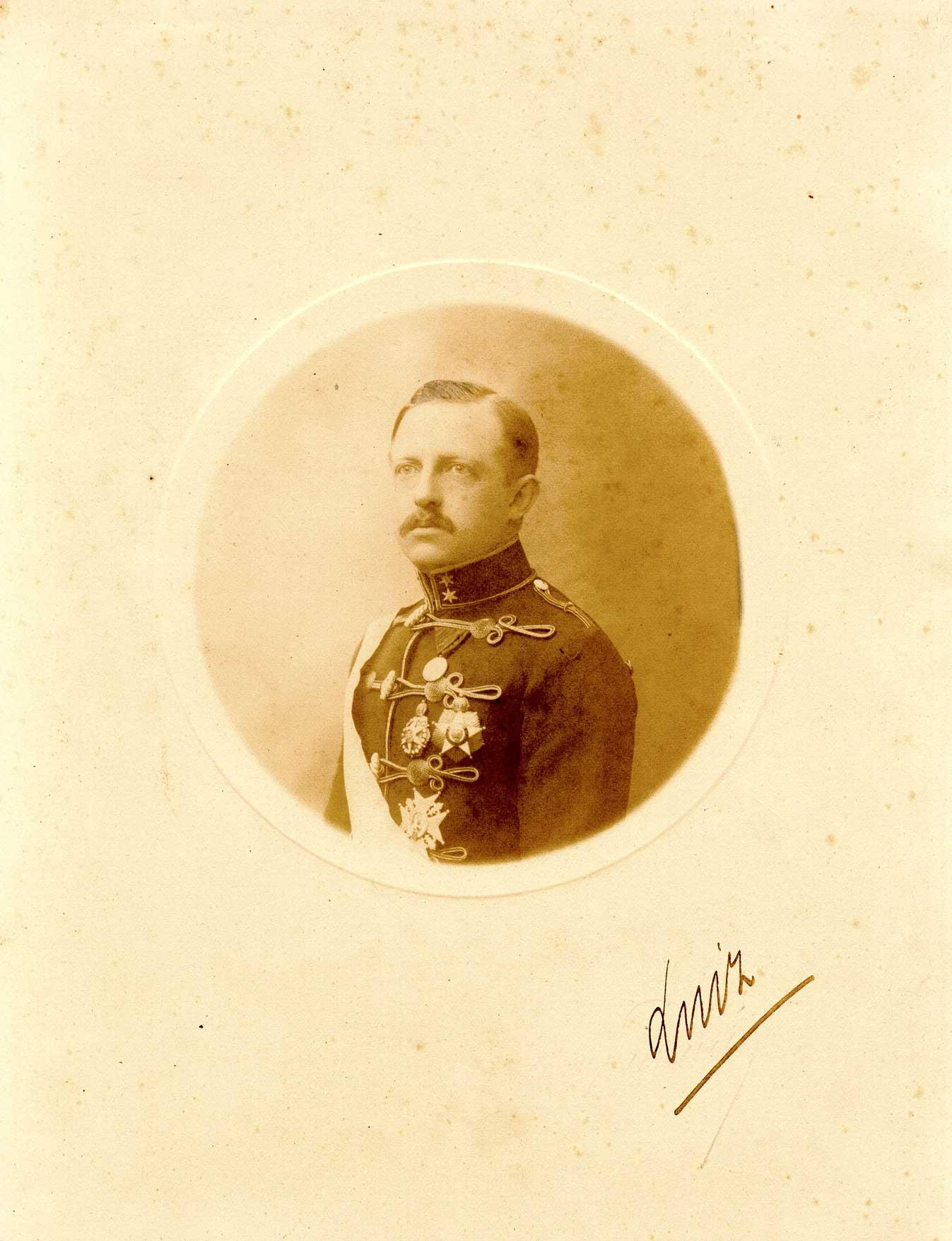 Luis prince imperial 1909 Brazil.JPG