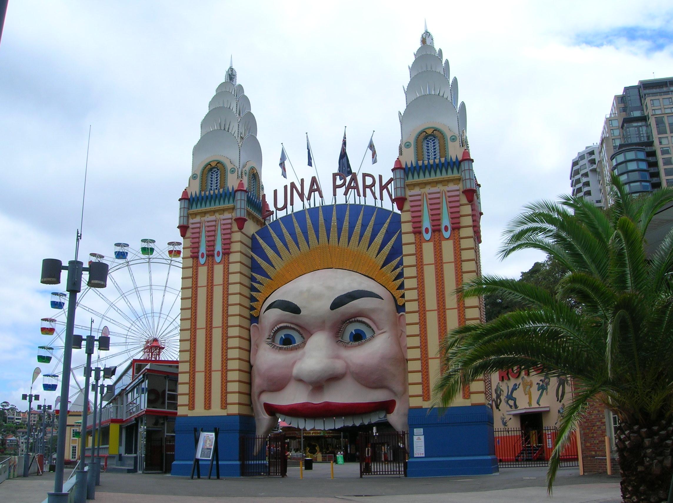 Luna Park-Sydney-Australia.JPG