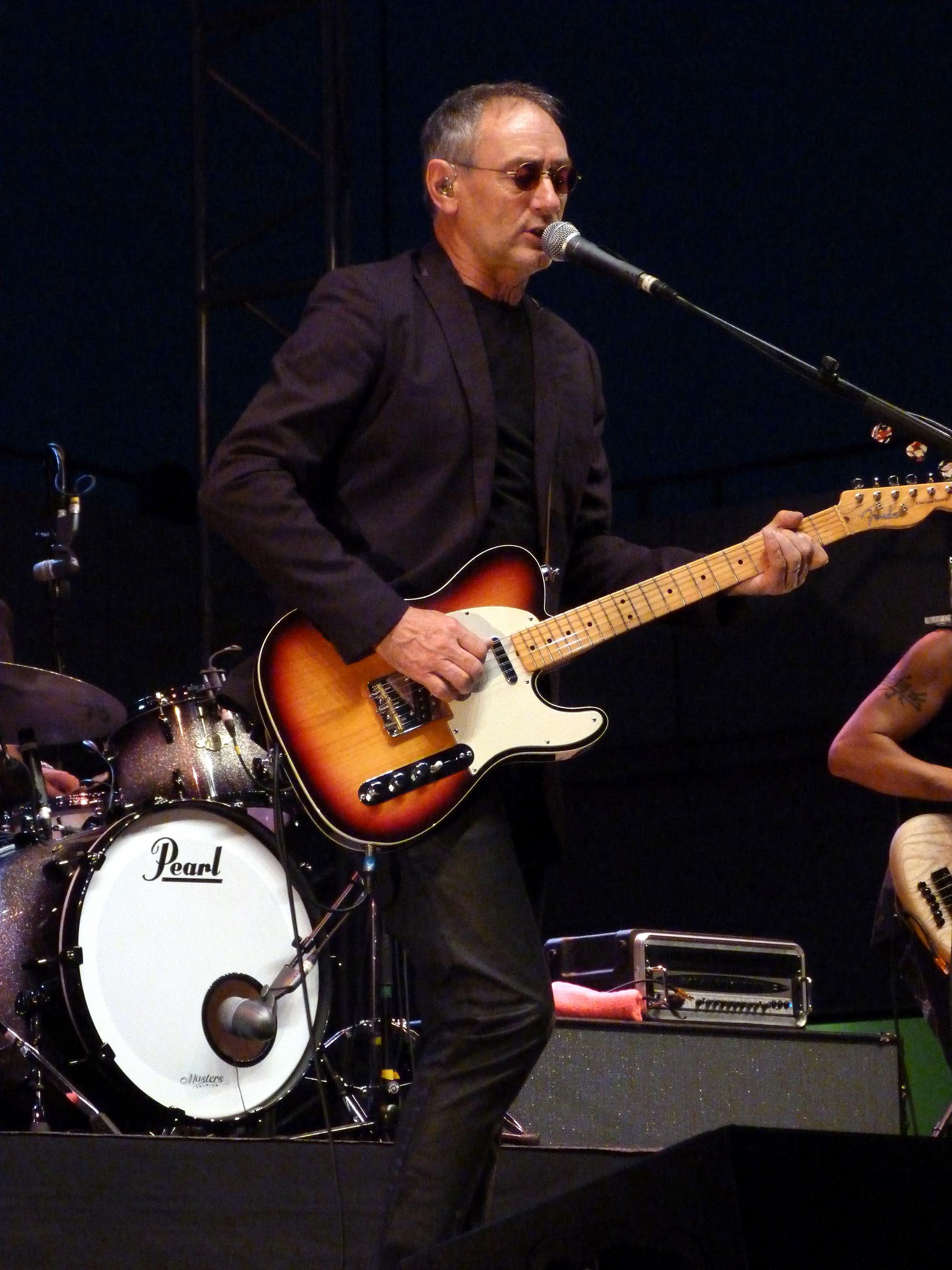 styles frais qualité stable promotion spéciale Michael Jones (chanteur) — Wikipédia