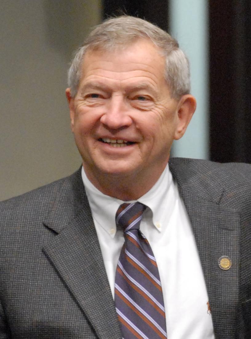 Michael S Bennett