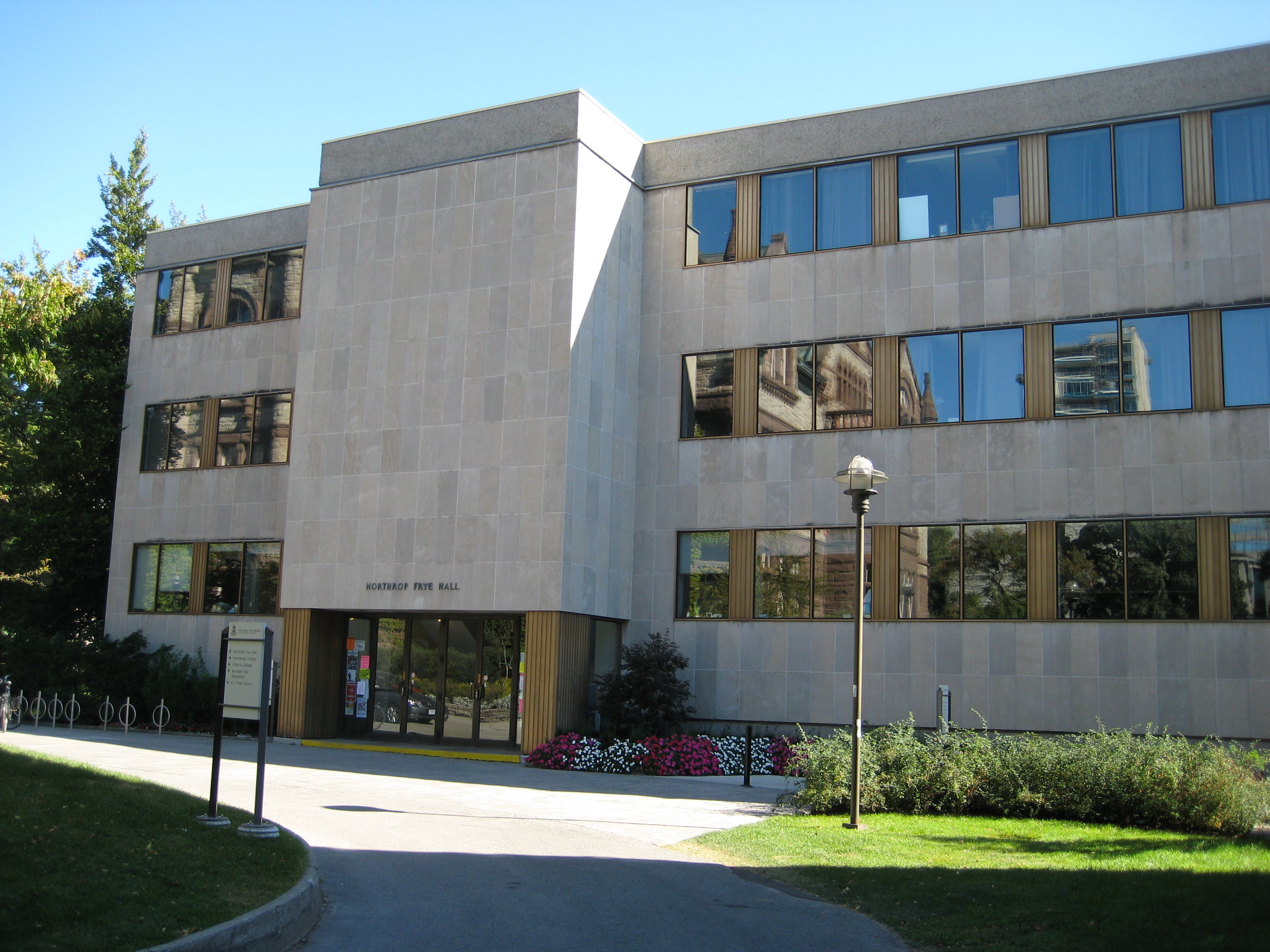 MBA Essay Tips: Toronto Rotman
