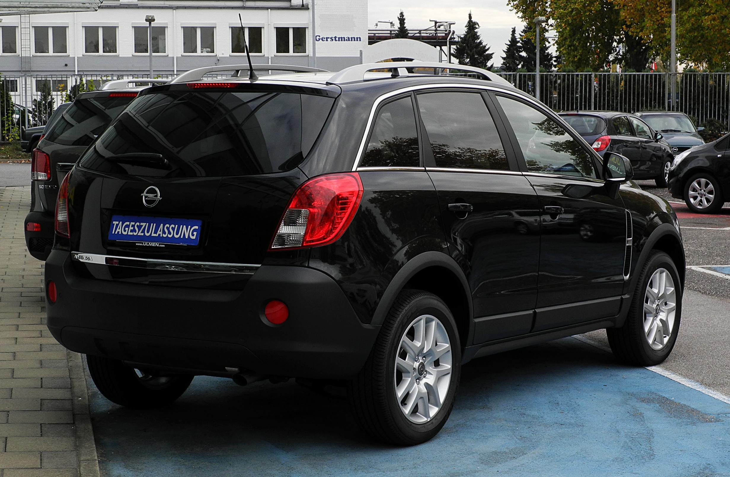 File:Opel Antara 2.4 4x4 Design Edition (Facelift ...