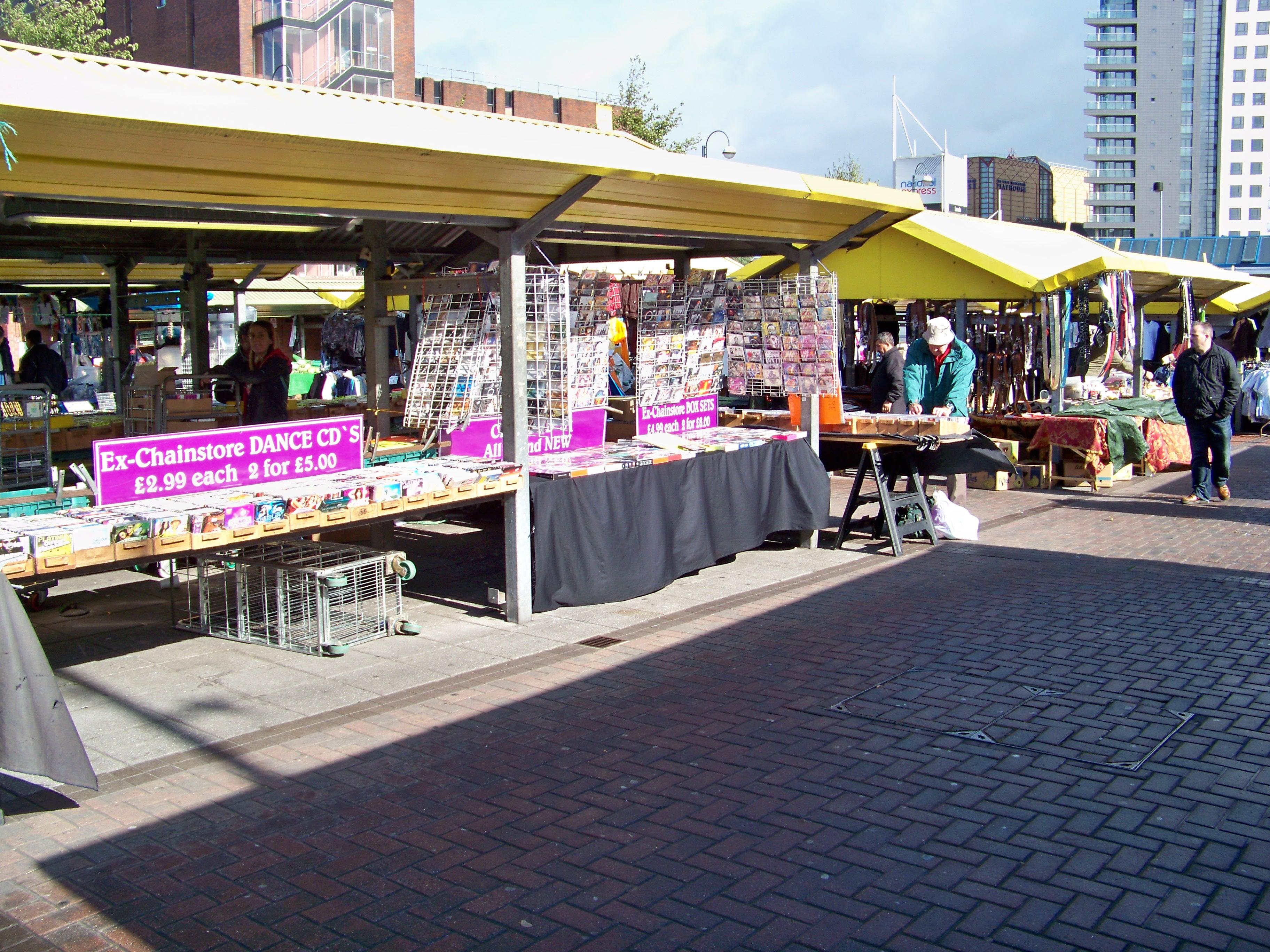 File:Outdoor market, Kirkgate Market, Leeds 001.jpg ...