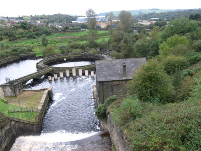 Outflow from Bottoms Reservoir - geograph.org.uk - 1001653