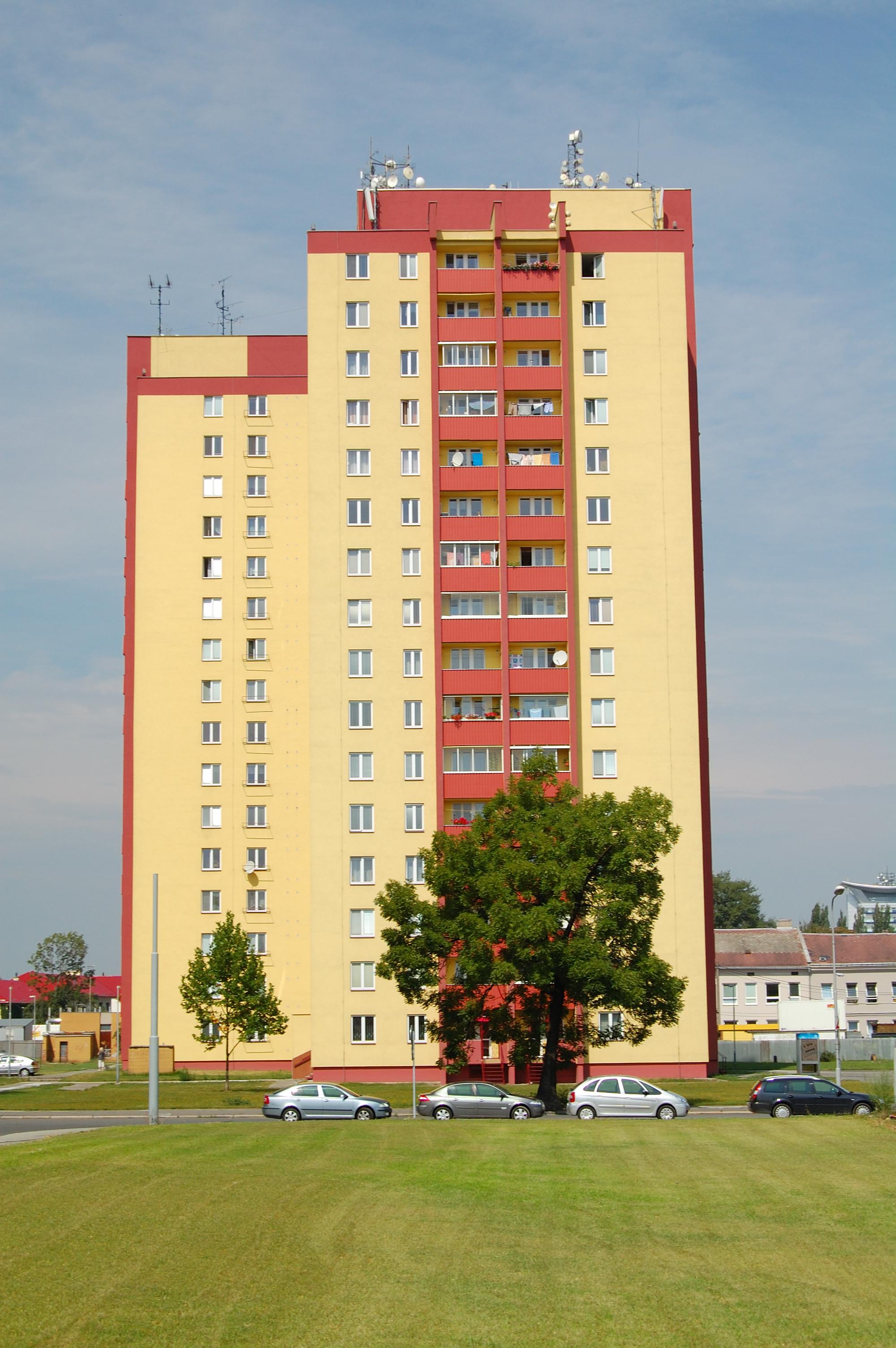 Rise Credit >> File:Panelak Ostrava 2009.JPG - Wikimedia Commons