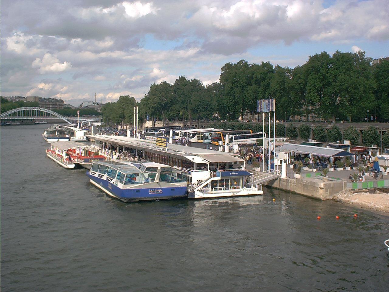 file port de la bourdonnais may 2000 jpg wikimedia commons