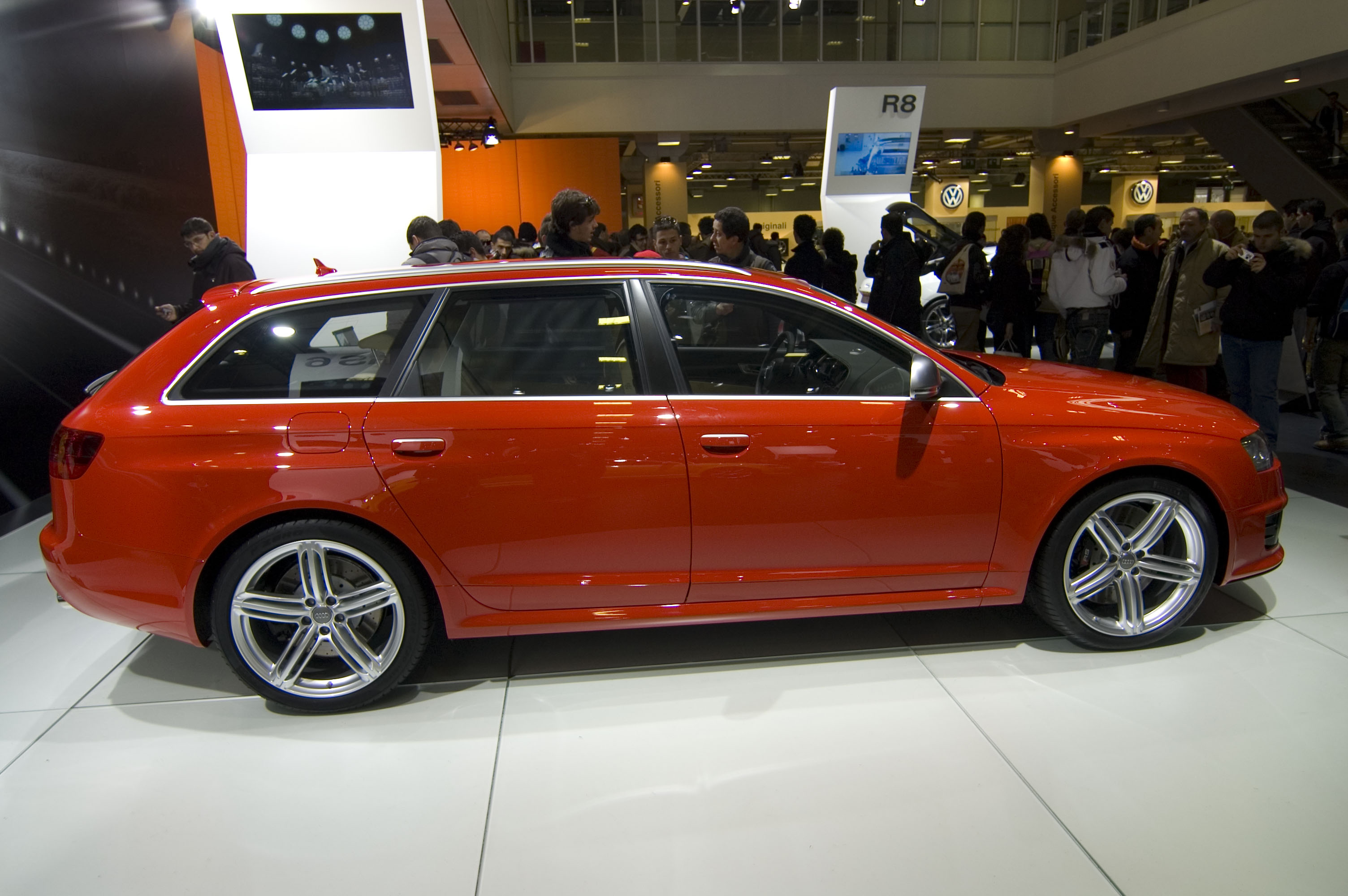 File Red Audi Rs6 Avant C6 Jpg Wikimedia Commons