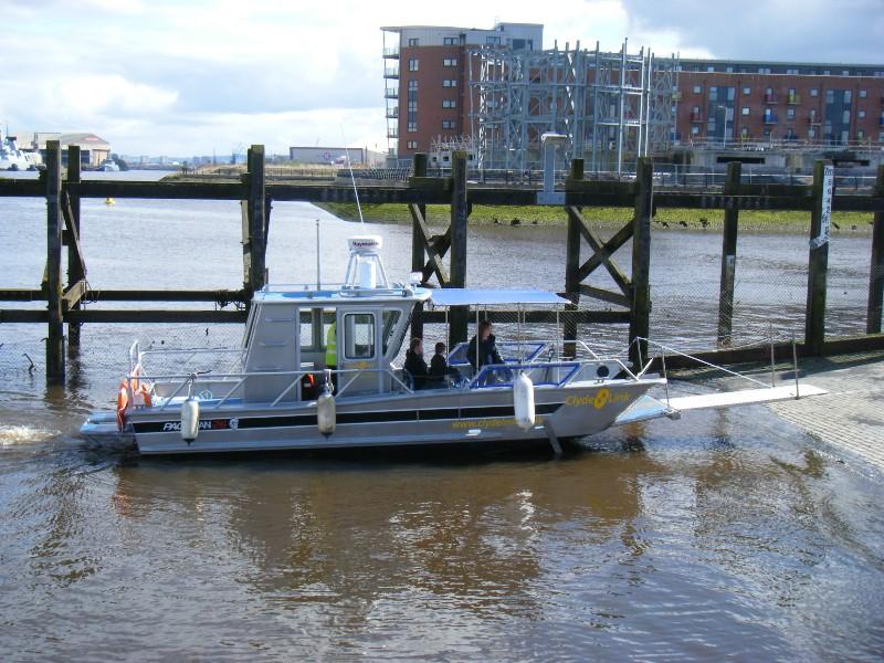 File:Renfrew Ferry 2010-2.jpg