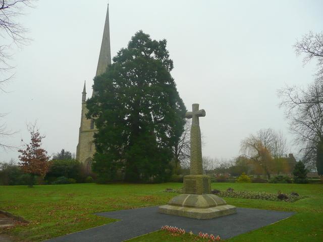 Ross-on-Wye war memorial - geograph.org.uk - 1128339