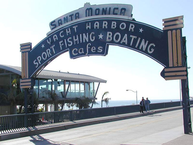Beginning This Saay Through September 1 Transit Will Offer Direct Services To Santa Monica Beach Departing Clarita At 8 40 A M