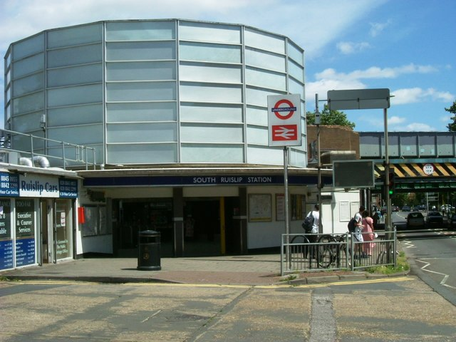 South Ruislip station - geograph.org.uk - 854347