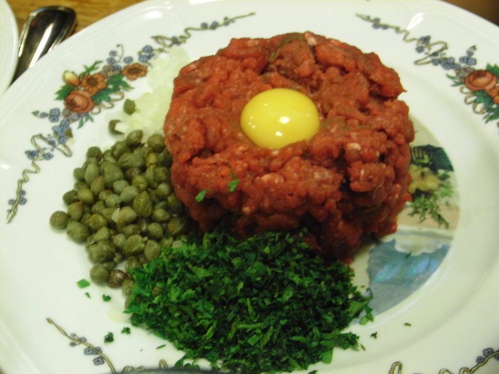 File:Steak tartare098.jpg - Wikimedia Commons