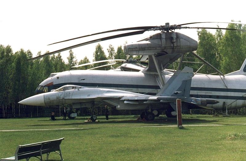 Sukhoi_T-10_701_and_Mil_V-12.jpg