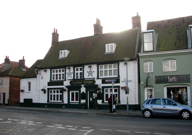 The Railway Tavern - Market Place - geograph.org.uk - 618346