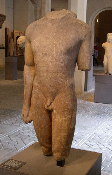 Tors de kouroi, procendent d'Actium. Cap el 550 aC