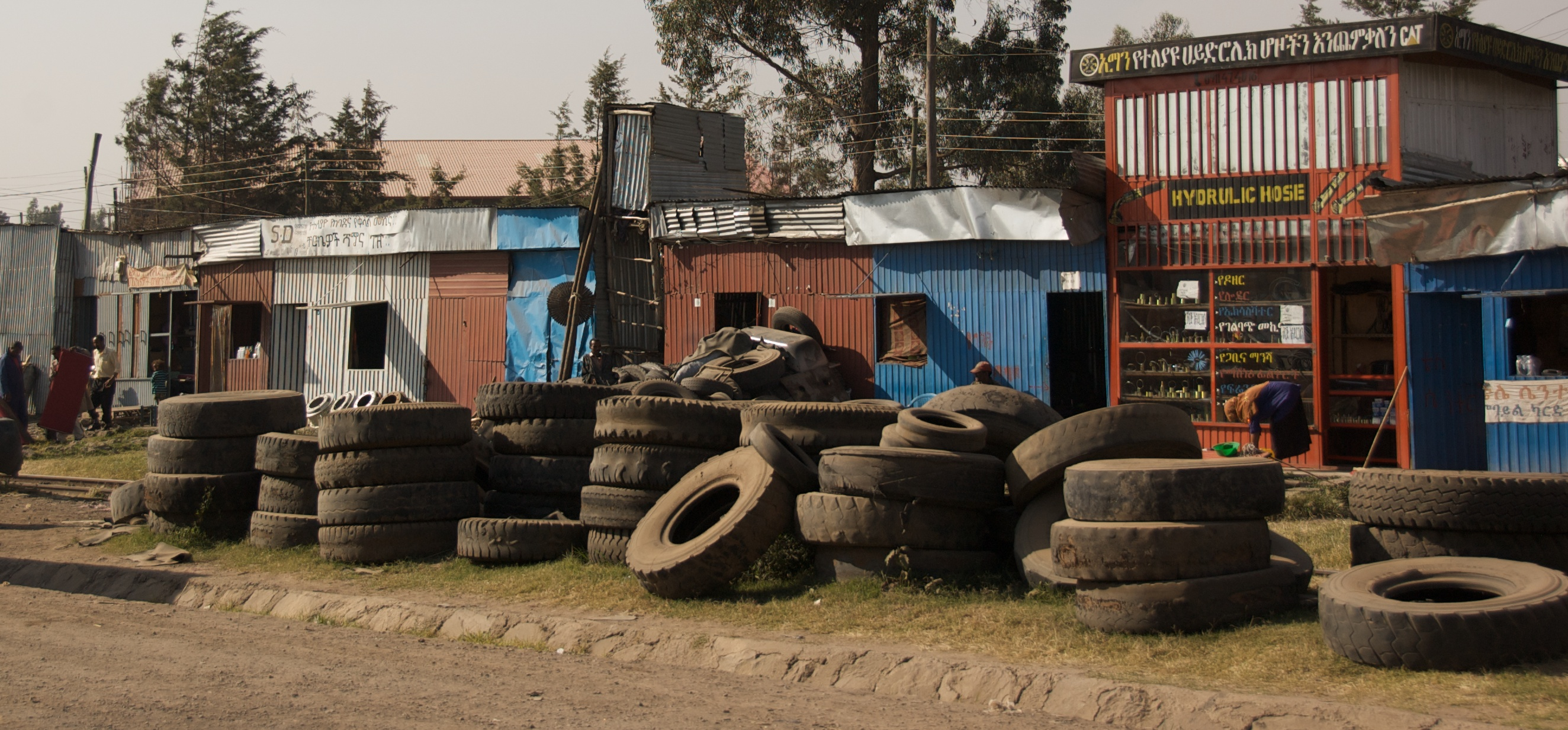 File Used Tires 5065055803 Jpg Wikimedia Commons