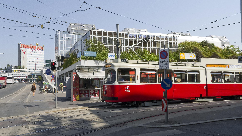 Fájl:Wien Linie D 10 Liechtenwerderplatz a.jpg – Wikipédia