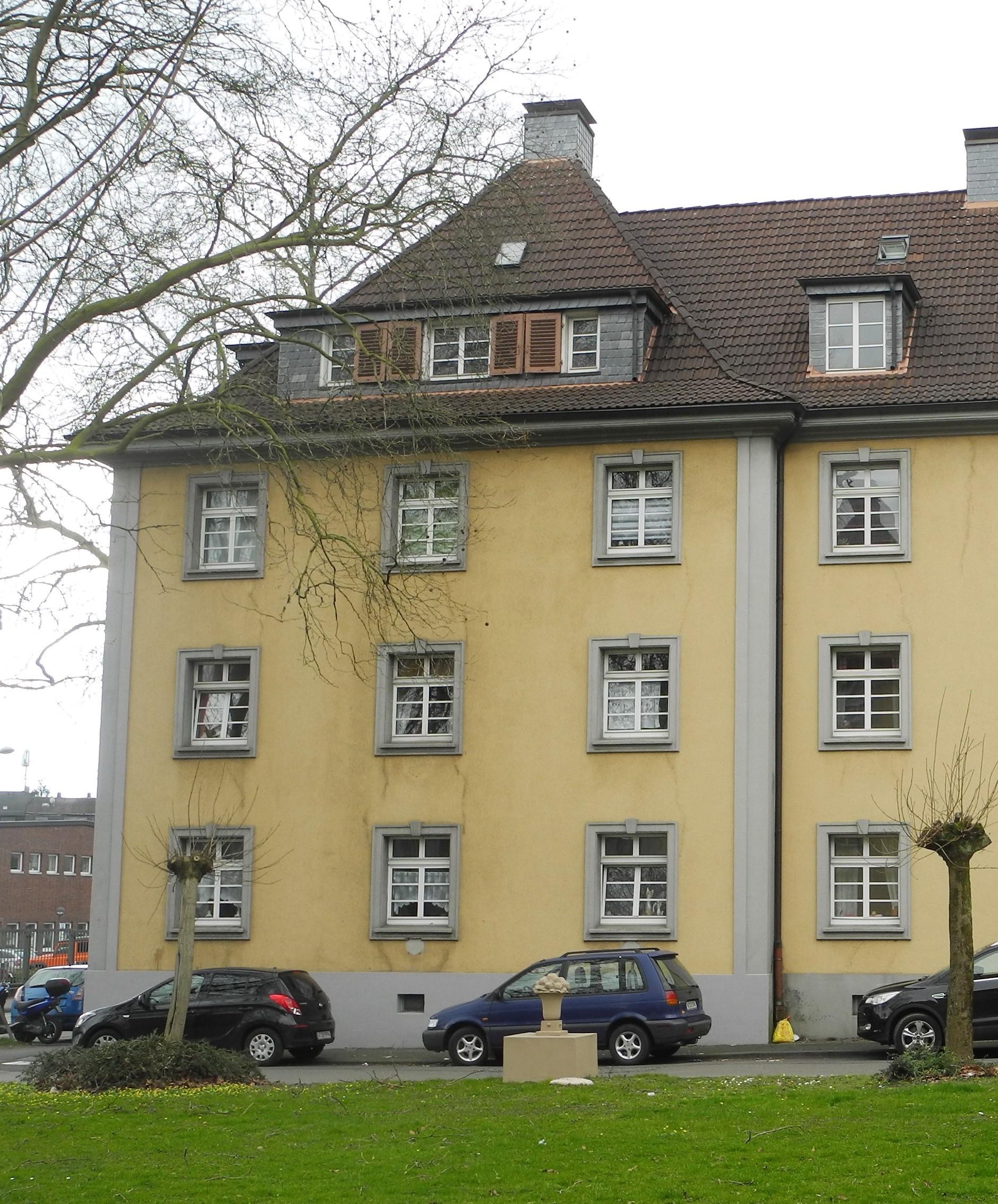 File:Wuppertal, Schützenstr. 35, Fassade Friedrich-Senger