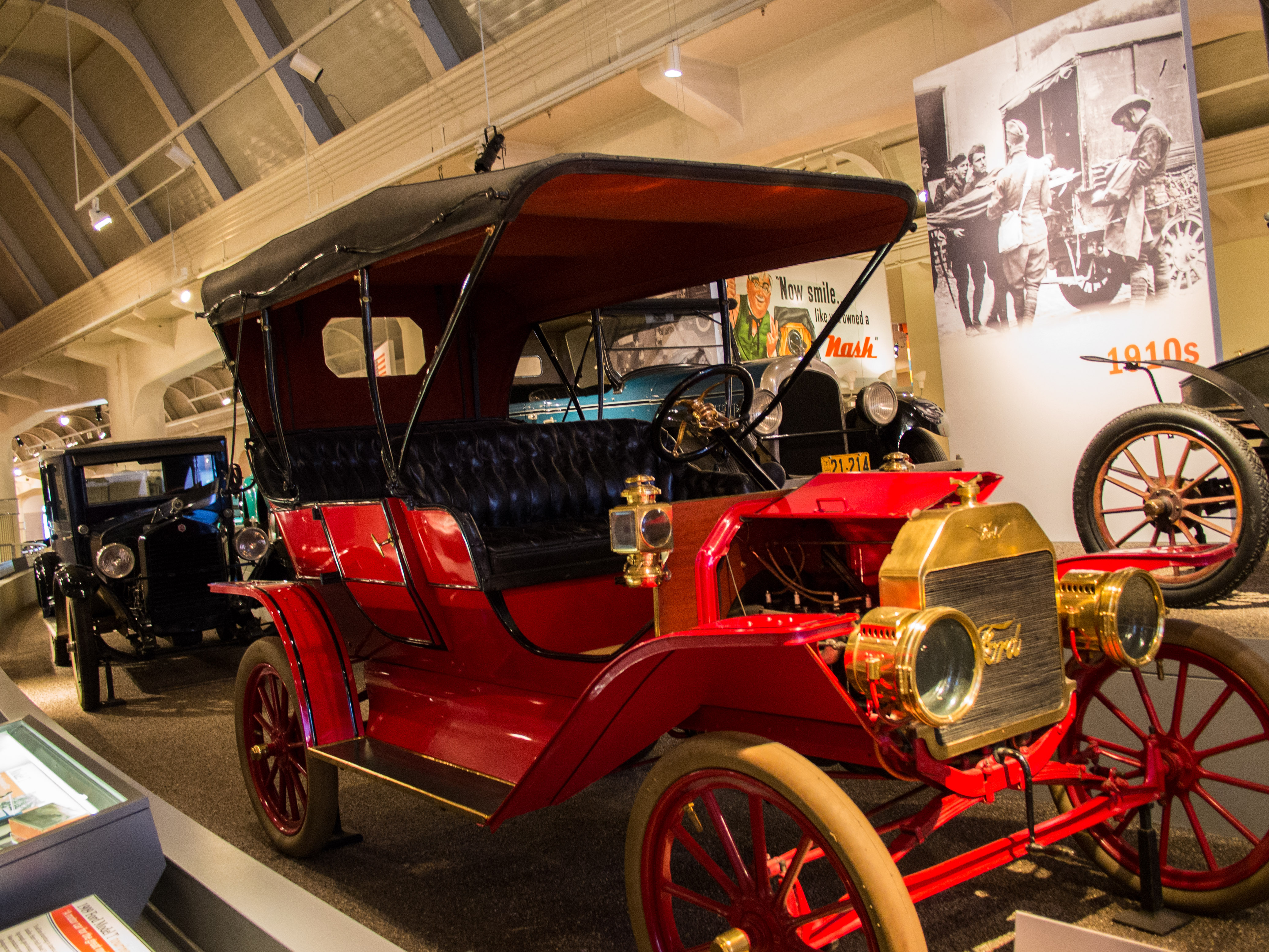 1909 Ford Model T Touring serial 839 - Henry Ford Museum (33014529572) (2).jpg