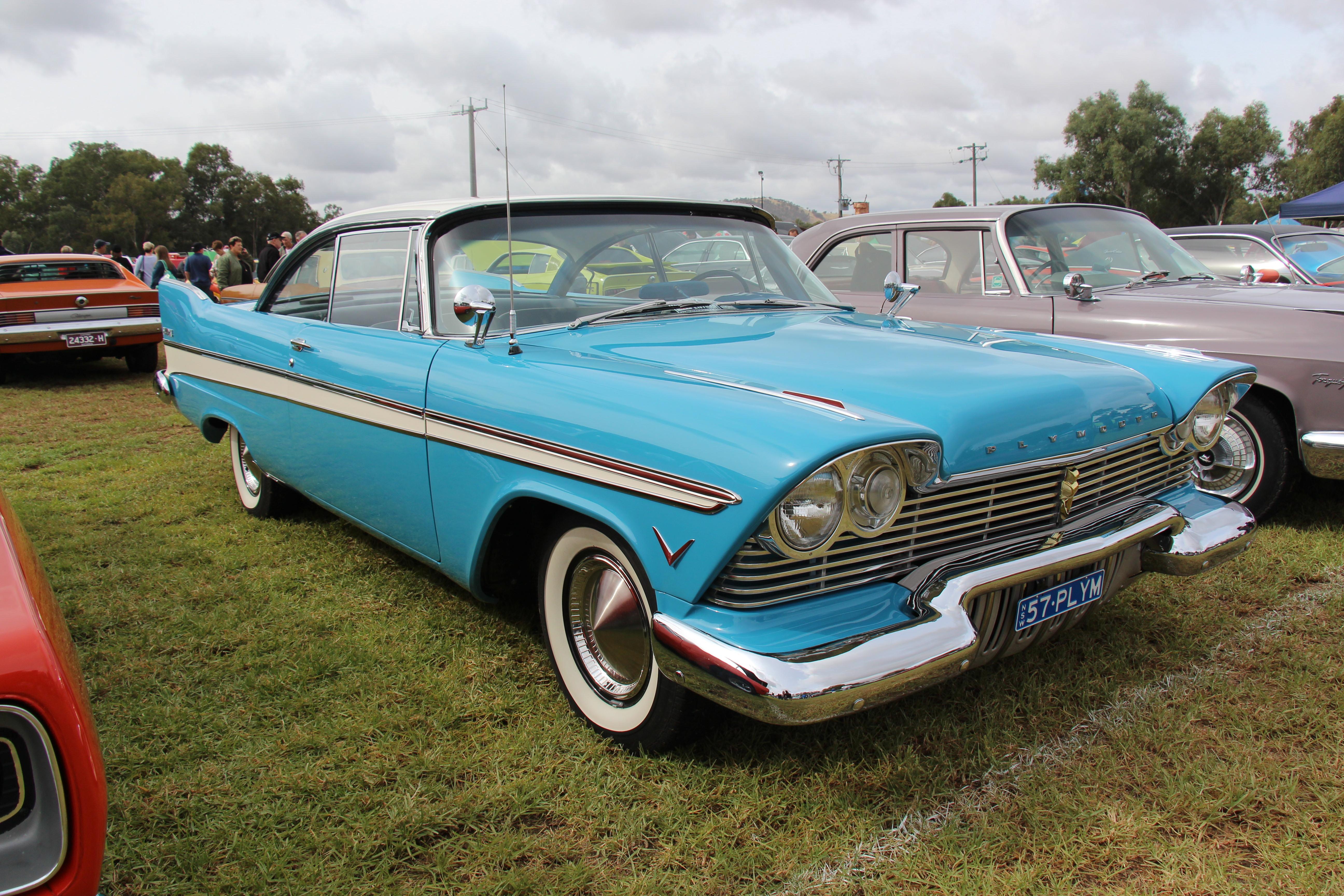2 Door Convertible >> File:1957 Plymouth Belvedere 2 door Hardtop (13471835164 ...