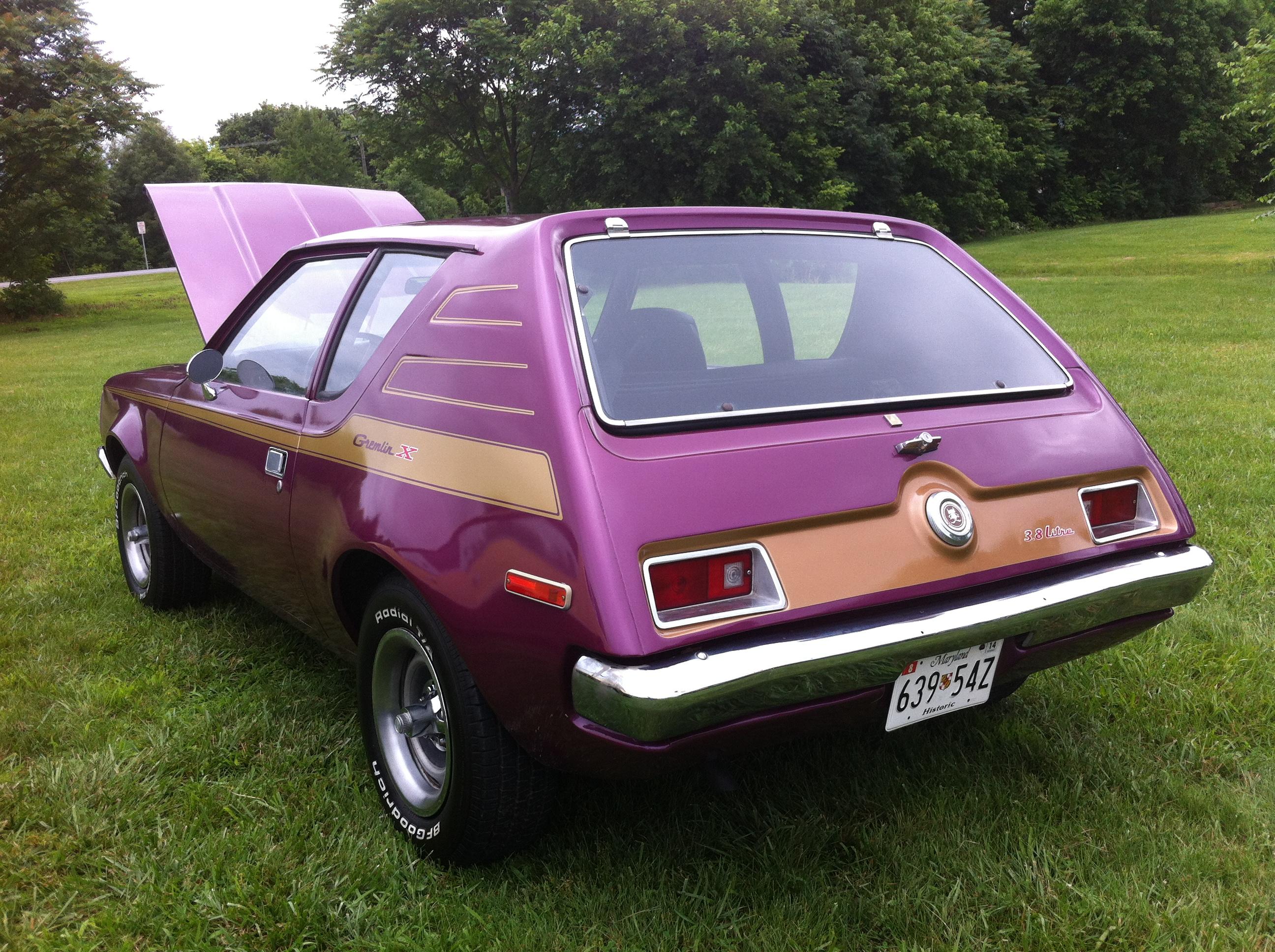File:1972 AMC Gremlin X At Mason-Dixon Dragway 2014 Purple