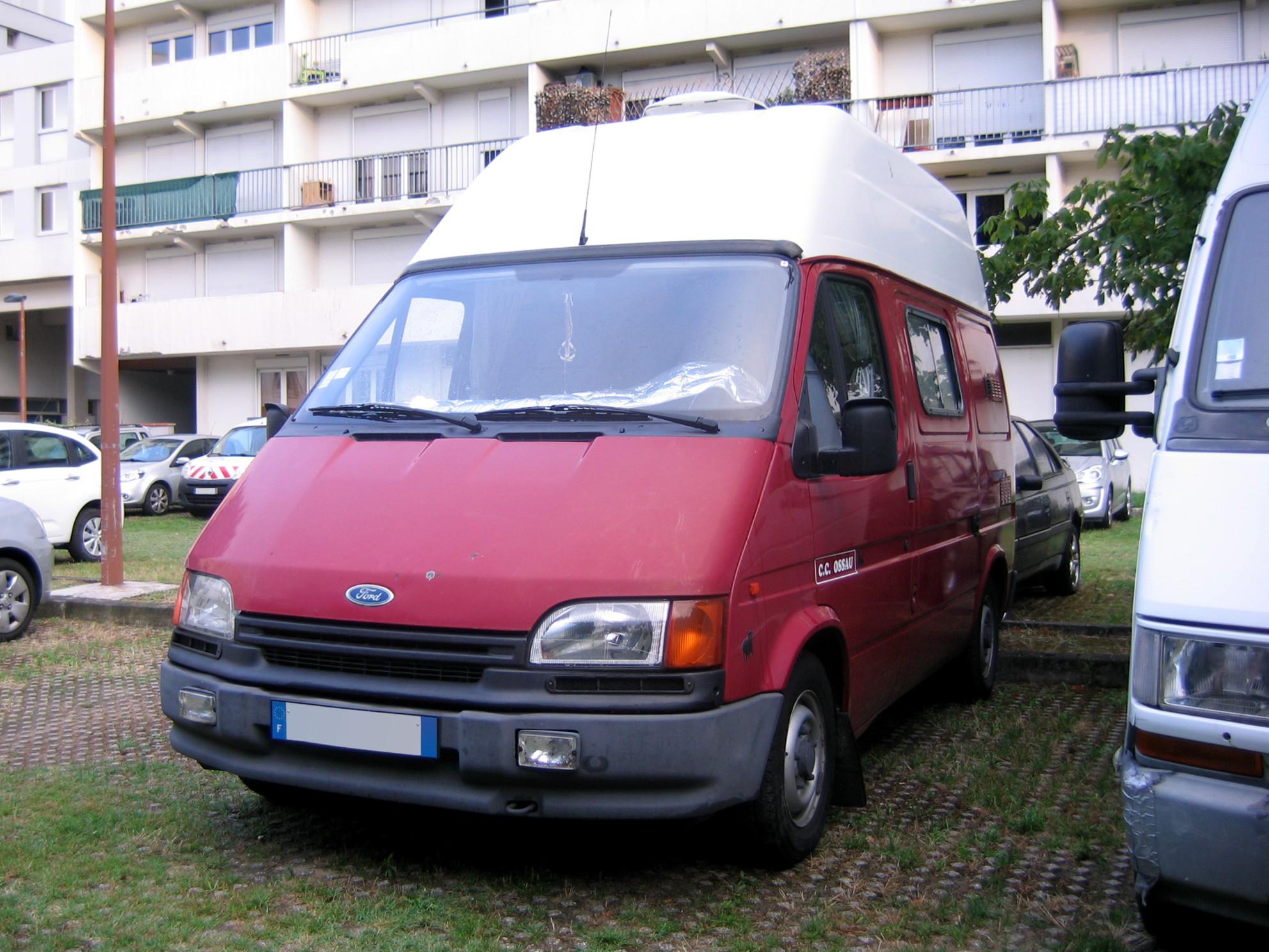 Ford Transit Van >> File:1991-1994 Ossau Ford Transit campervan (fl).jpg - Wikimedia Commons