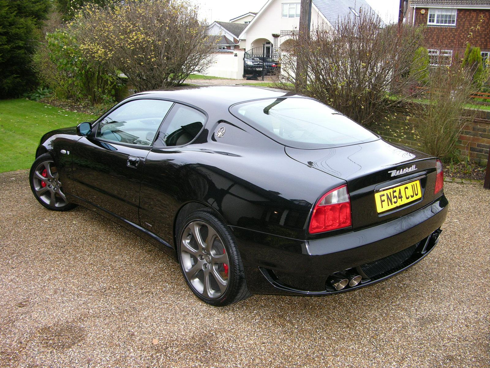 http://upload.wikimedia.org/wikipedia/commons/a/a0/2005_Maserati_4200_GT_-_Flickr_-_The_Car_Spy_%2817%29.jpg