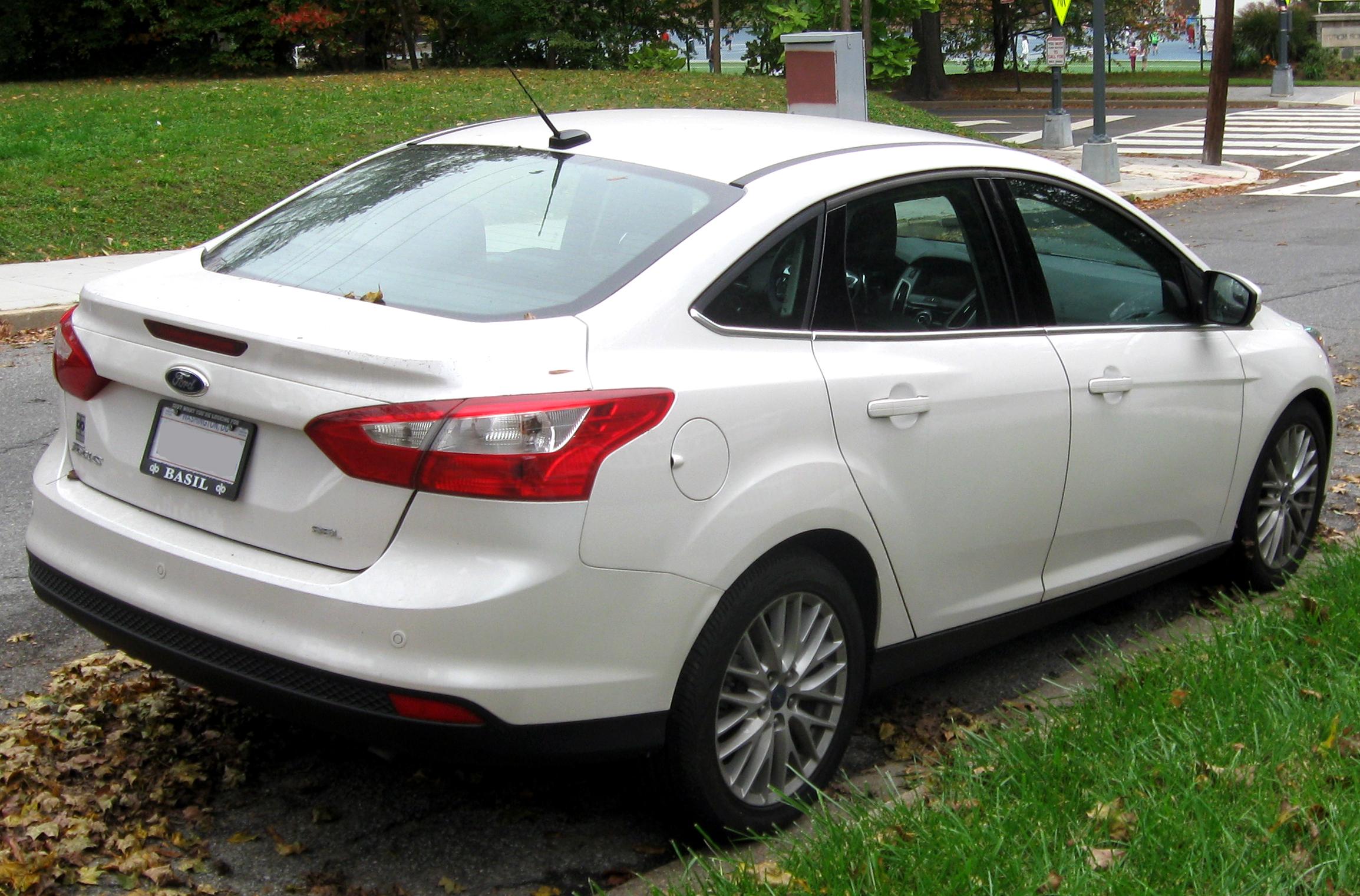 File Ford Focus Sel Sedan Rear Jpg Wikimedia