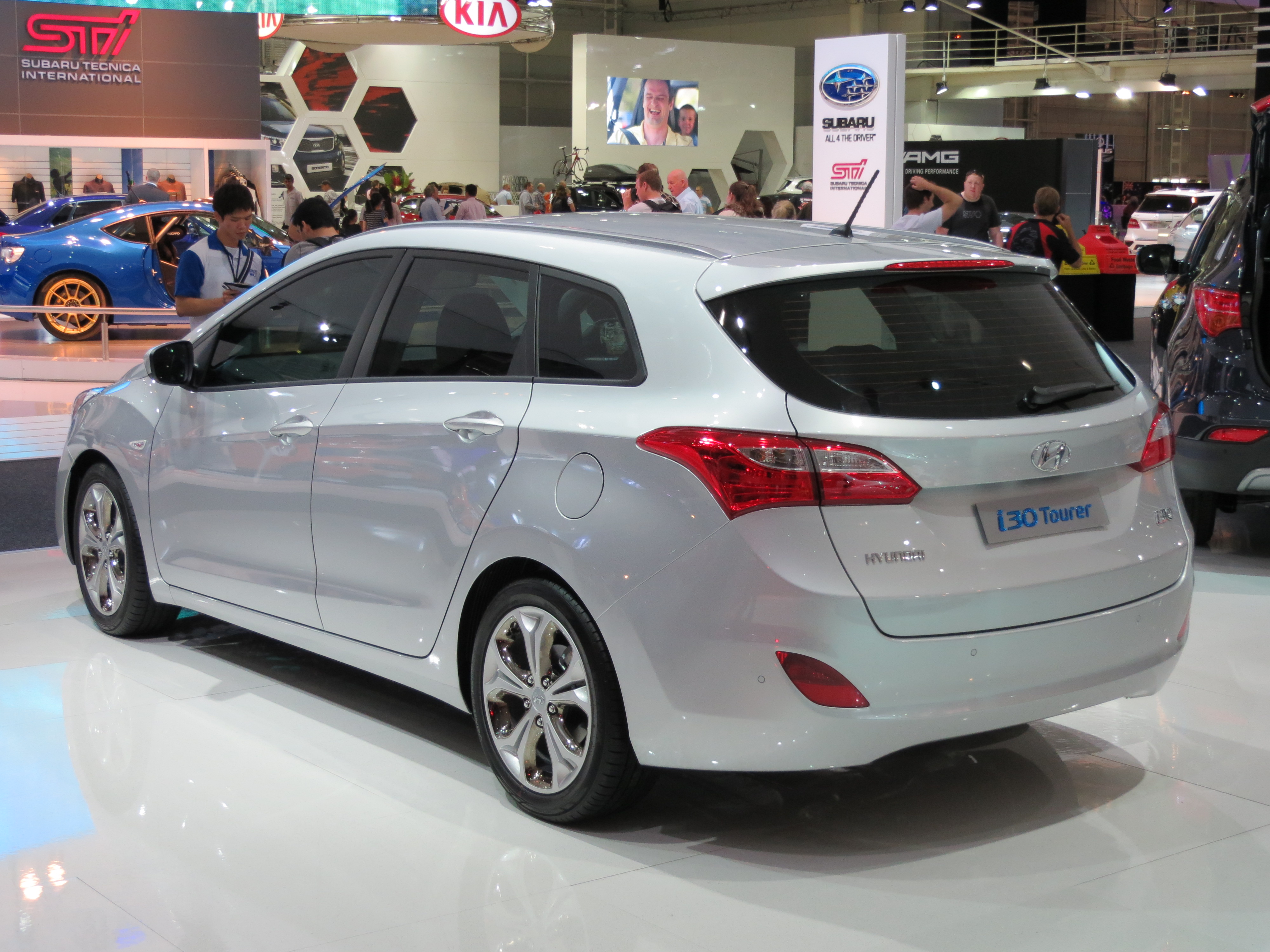 file 2012 hyundai i30 gd tourer 2012 10 26 wikimedia commons. Black Bedroom Furniture Sets. Home Design Ideas
