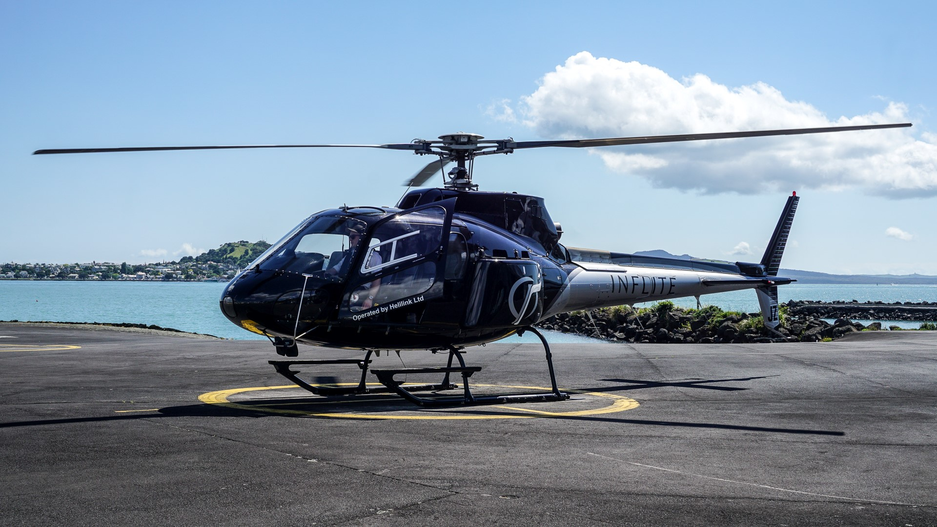 File:AS350 Helicopter by INFLITE.jpg - Wikimedia Commons