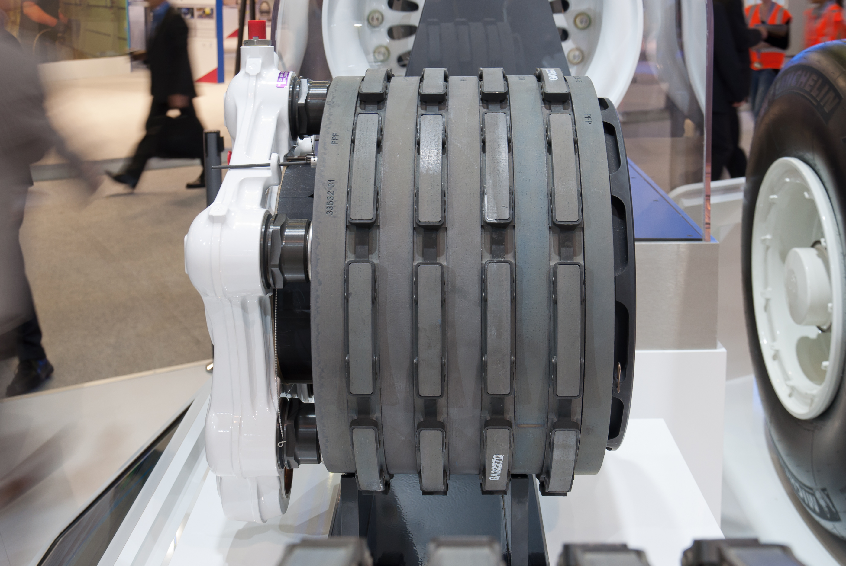 File:Airbus A350 Carbon Brake PAS 2013 02.jpg - Wikimedia Commons