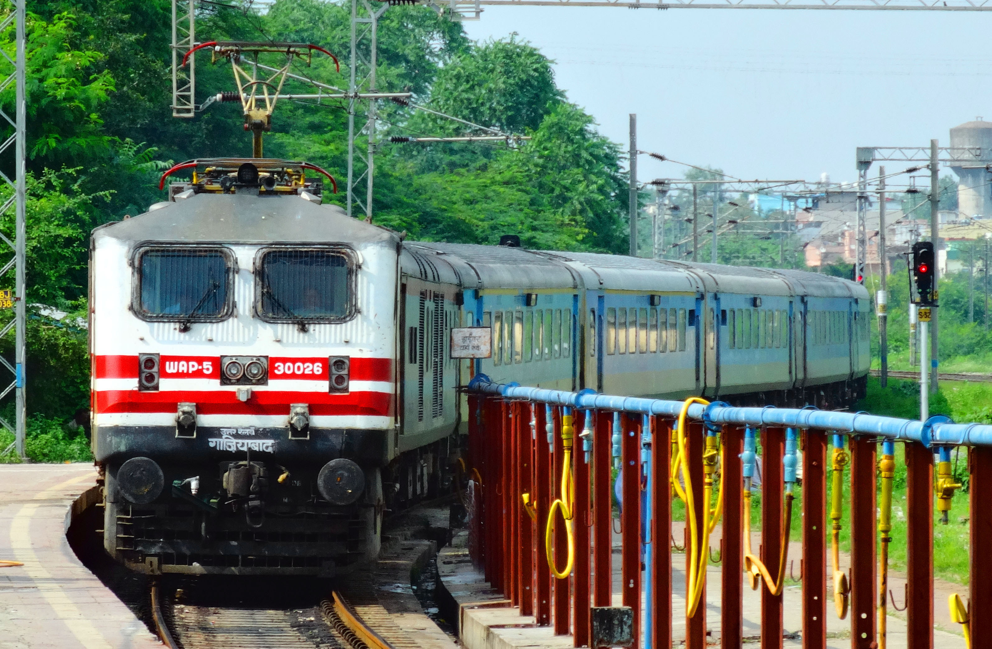 All You Need To Know About Indian Railways 5 New Trains