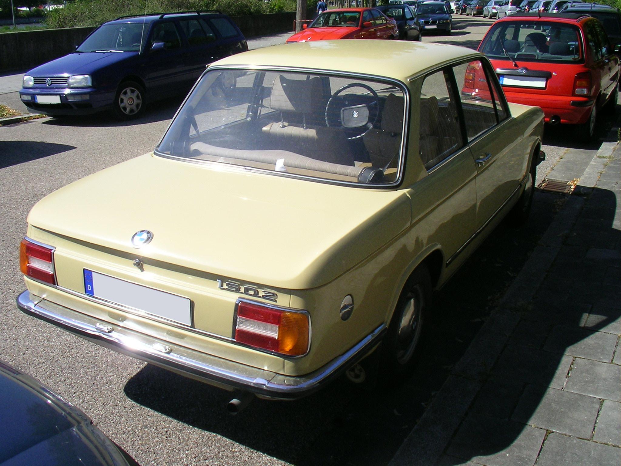 File:BMW 1502.Heck.jpg