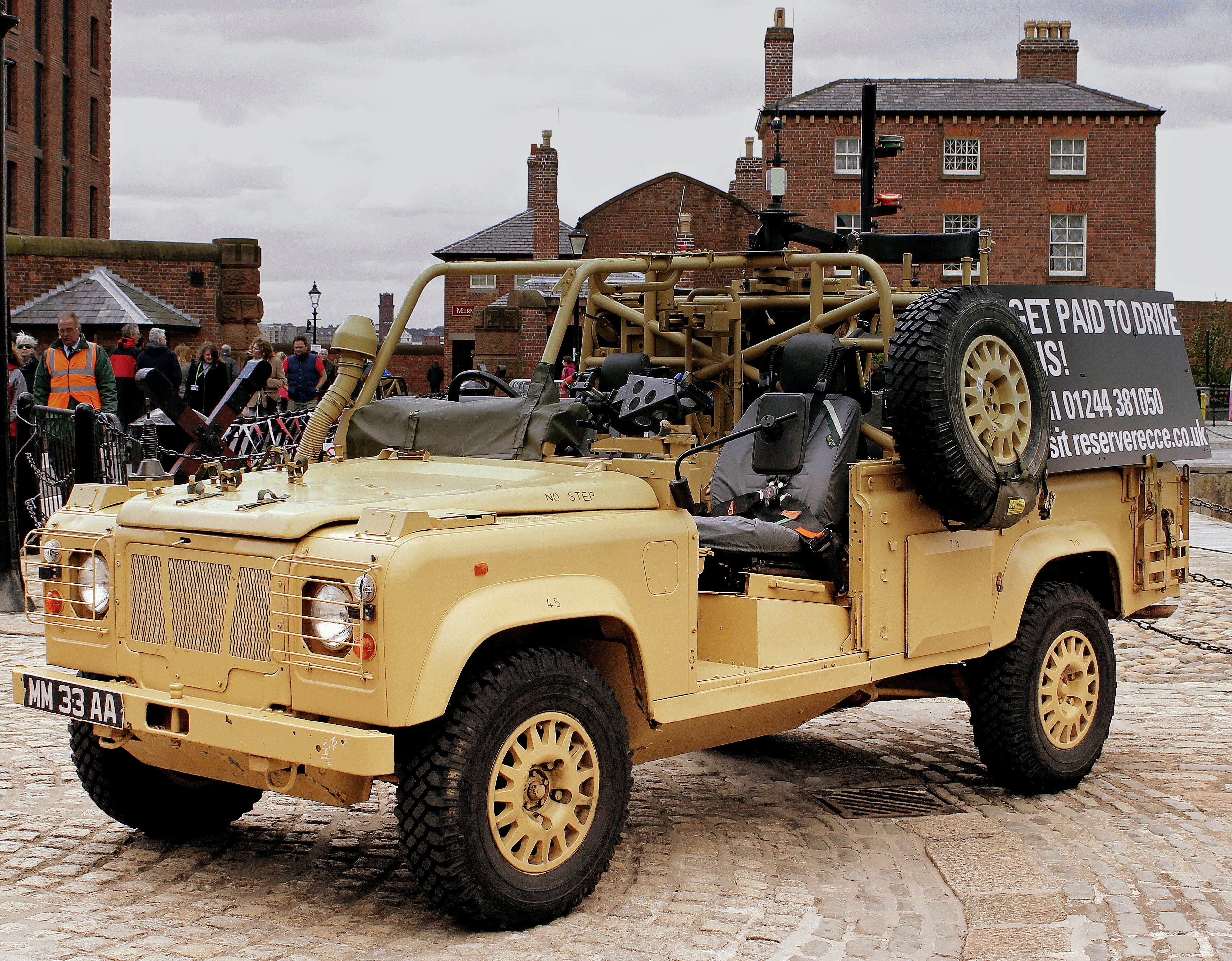 File British Army Mod Spec Land Rover Patrol Vechicle