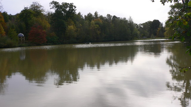 Benbow Pond, Cowdray Park - geograph.org.uk - 1019800