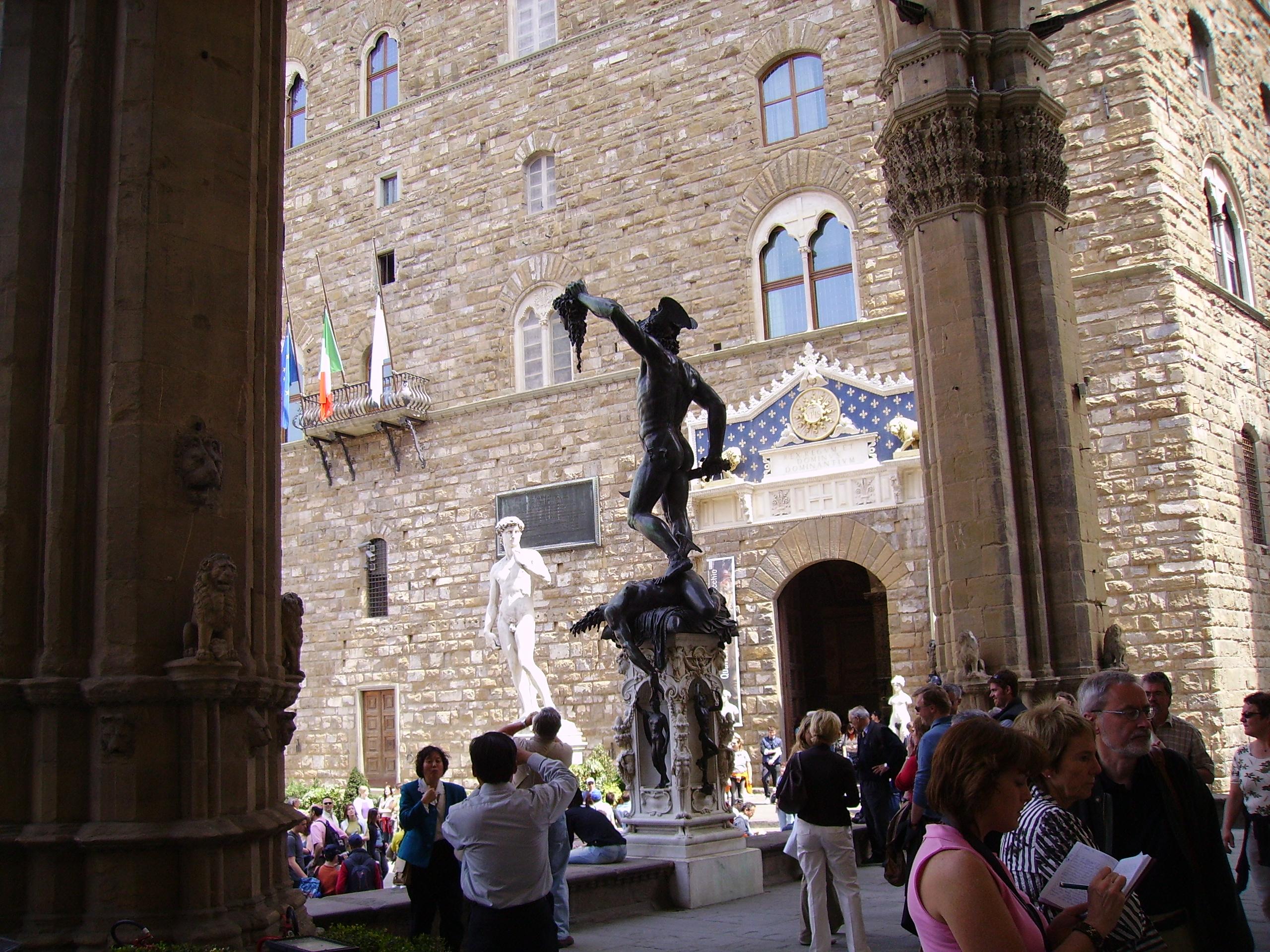 File Benvenuto Cellini Perseus With The Head Of Medusa The
