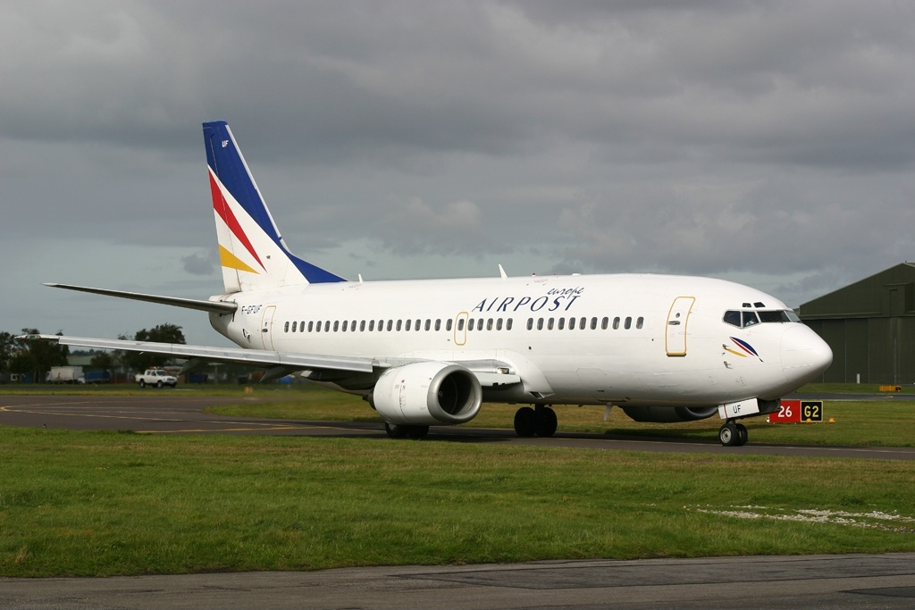 Boeing_737-3B3%28QC%29%2C_Europe_Airpost