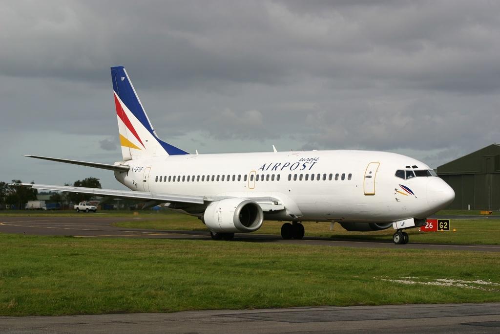 Boeing_737-3B3%28QC%29%2C_Europe_Airpost