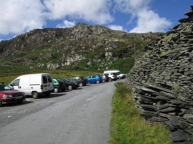 Car parking at Tanygrisiau - geograph.org.uk - 1467128