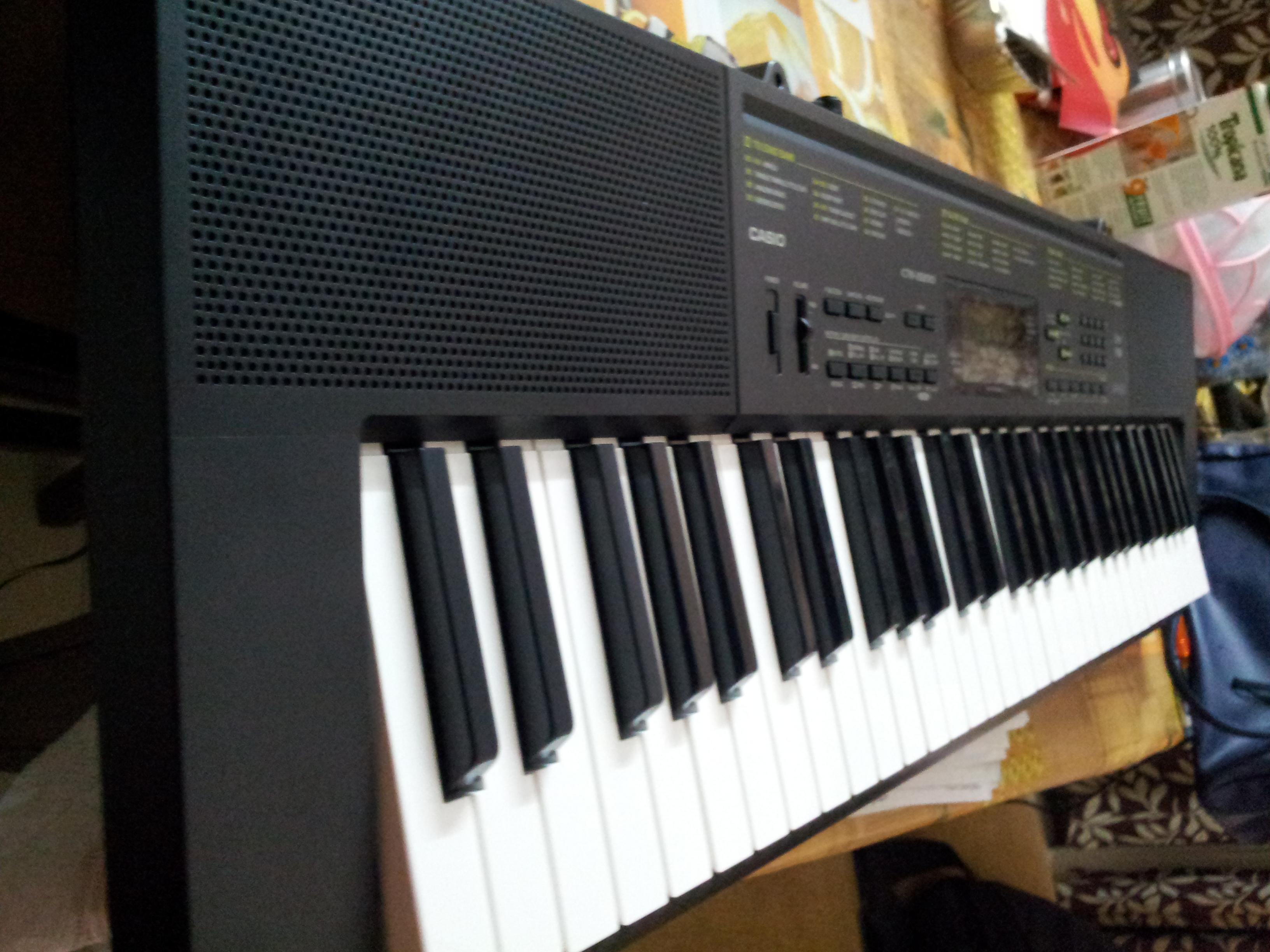 electronic piano keyboard yamaha f50. Black Bedroom Furniture Sets. Home Design Ideas