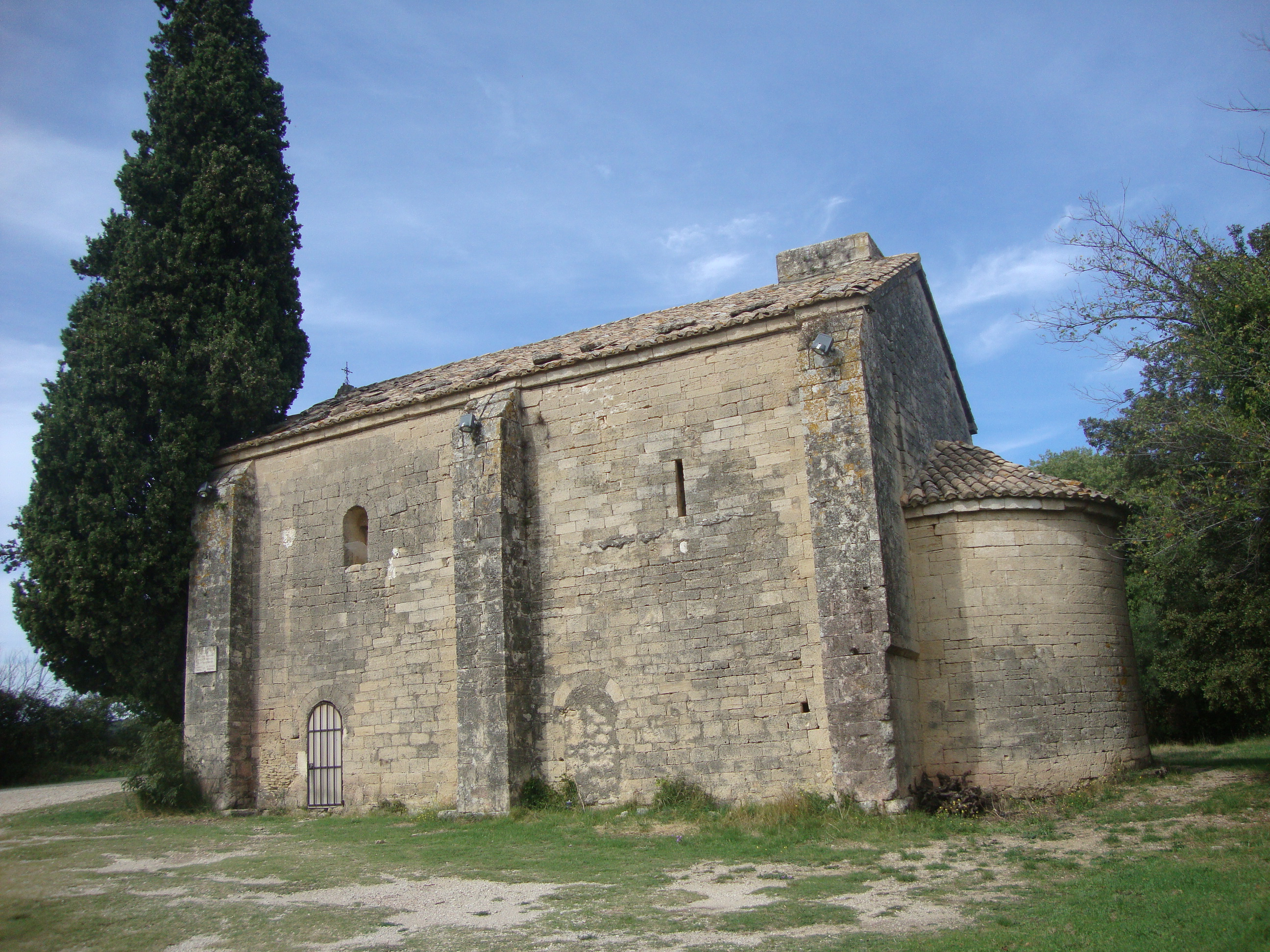 file chapelle saint caprais castillon du gard jpg wikimedia commons. Black Bedroom Furniture Sets. Home Design Ideas