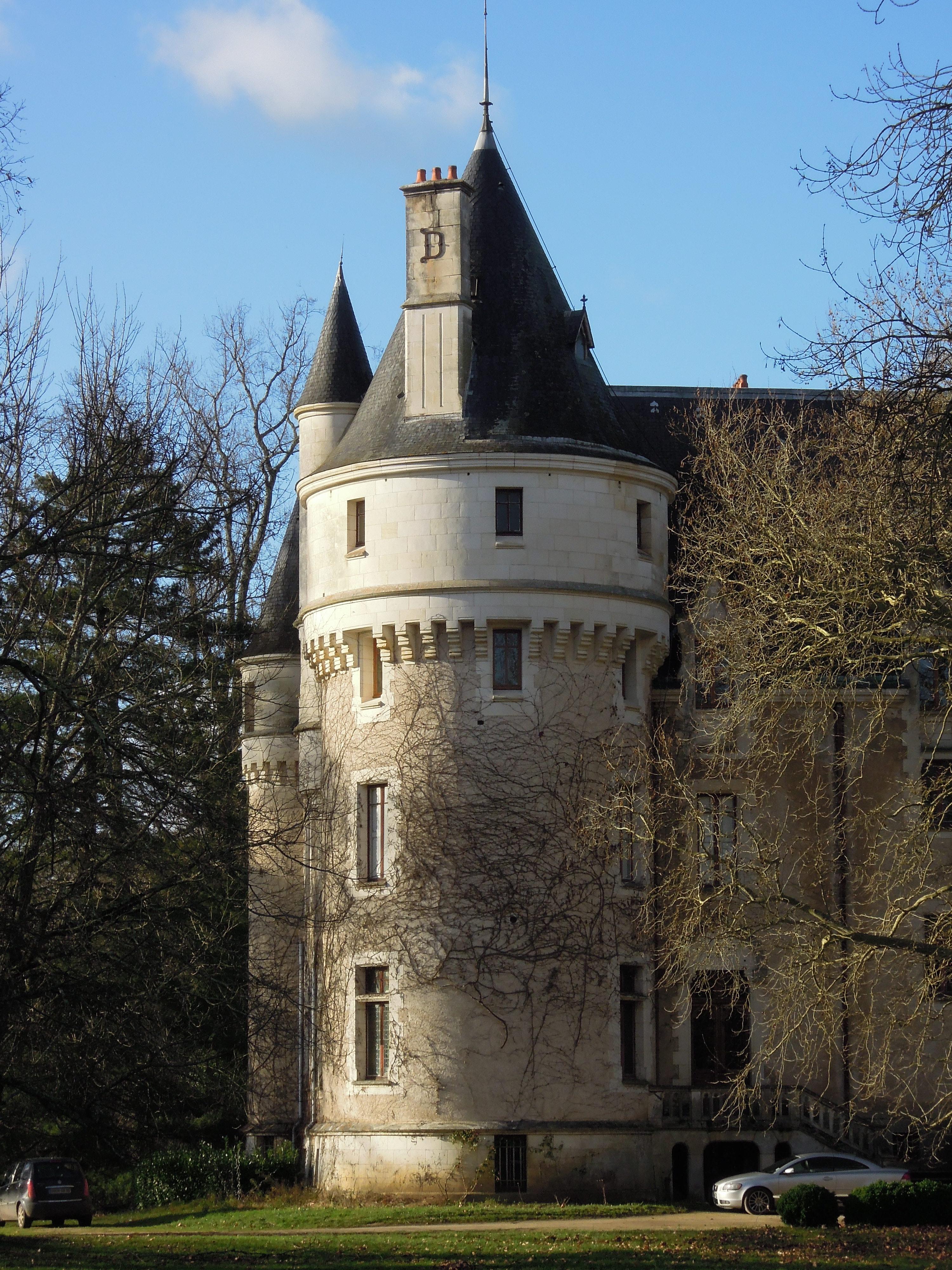 File list wikimedia commons for Chateau de la chaise