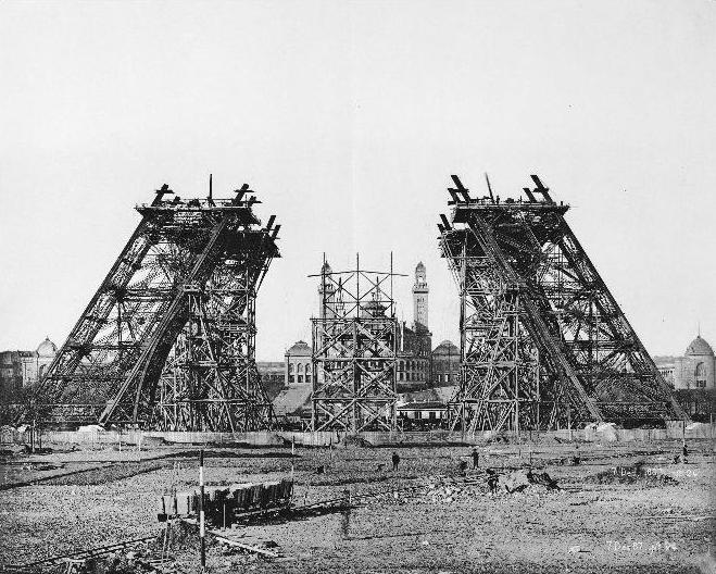 Fichier:Construction tour eiffel2.JPG