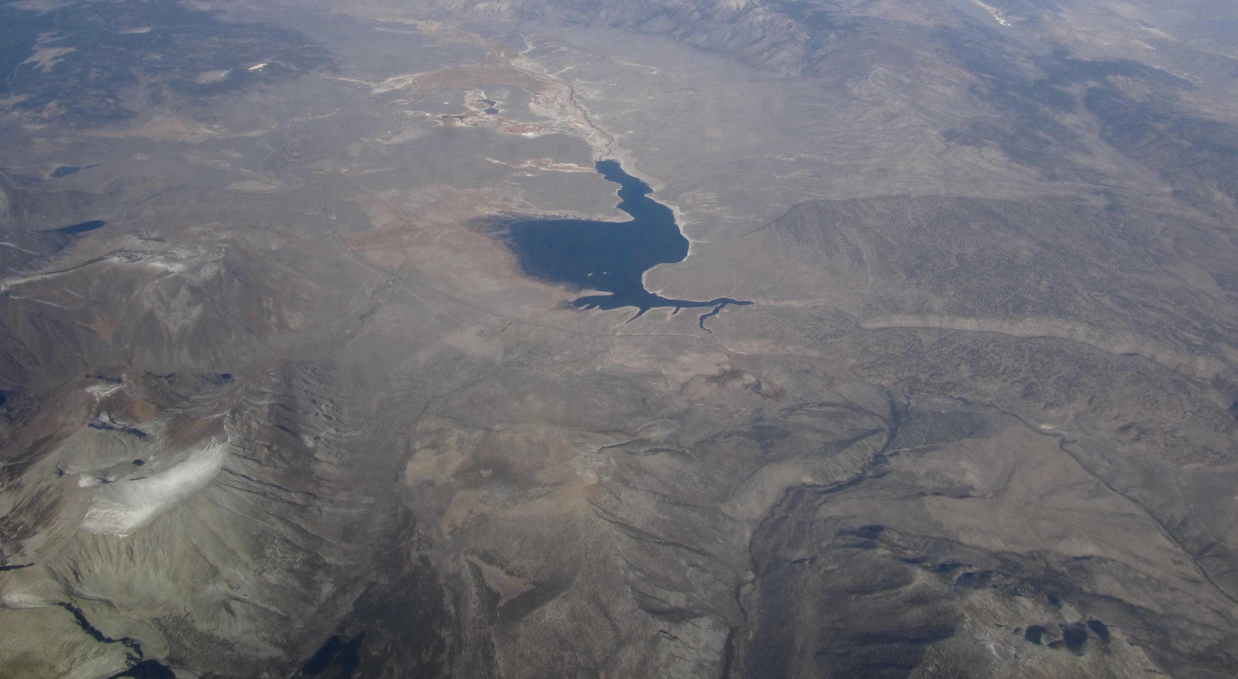 File Crowley Lake Near Mammoth Lakes California